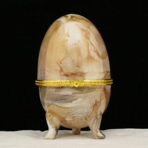 Uovo a scatola con ghiera