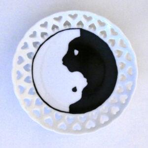 Piattino traforato yin e yang